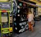 Сеть из 3 вендинговых автоматов в центре города