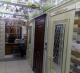 Магазин дверей, ламината и люстр в ТЦ
