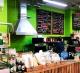 Мини-пекарня с кофейным буфетом в продуктовом супермаркете