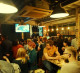 Популярный крафтовый ламповый бар пива.